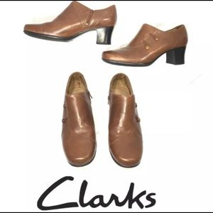 CLARKS BROWN LEATHER Booties Shoes Zip Slip Style